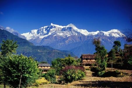 asia_mountains_houses_vegetation_trees_7046_1999x1333