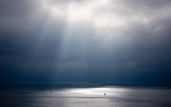 beams_sun_water_sky_light_shine_636_2560x1600