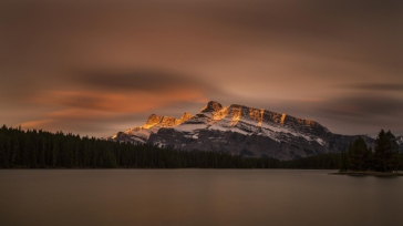 canada_banff_national_park_jack_lake_mountain_lake_100913_1366x768