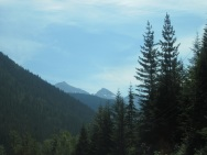 canada_mountains_trees_sky_110054_4000x3000