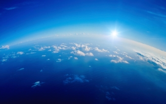 clouds_height_sky_sun_white_blue_light_6448_1920x1200