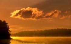 clouds_morning_dawn_lake_trees_fog_15206_1920x1200