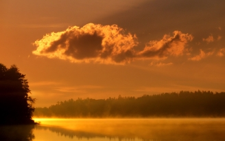 clouds_morning_dawn_lake_trees_fog_15206_1920x1200