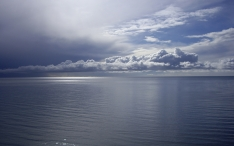 clouds_sea_water_smooth_surface_calm_26689_1920x1200