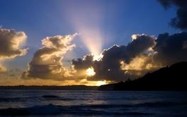 clouds_sky_evening_light_decline_sun_sea_horizon_22625_1920x1200