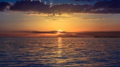 evening_sea_decline_reflection_sun_45781_1366x768
