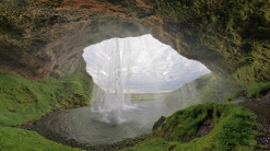 falls_cave_iceland_moss_57479_1920x1080