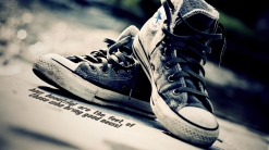 how-beautiful-are-feet-those-who-bring-good-news-sneakers-christian-wallpaper-hd_1366x768