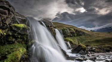 iceland_waterfall_nature_88004_1366x768