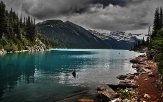 lake_mountains_stones_cloudy_despondency_52163_2560x1600