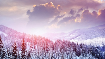 landscape_winter_snow_trees_mountains_forest_sky_clouds_97311_1366x768