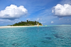 maldives_beach_tropical_sea_sand_palm_trees_island_84626_3872x2592