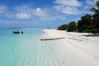 maldives_tropical_beach_shore_90631_4912x3264