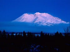 mountain_top_volcano_fog_trees_outlines_6365_1600x1200