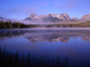 mountains_fog_light_91423_1600x1200