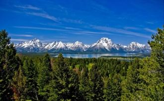mountains_grass_distance_top_91502_2600x1600