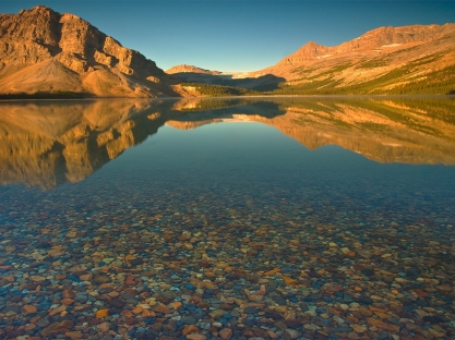 mountains_lake_stones_bottom_water_transparent_5731_1600x1200