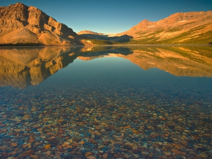mountains_lake_stones_bottom_water_transparent_5731_1600x1200