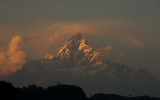 mountains_sky_fog_clouds_tops_84363_1920x1200