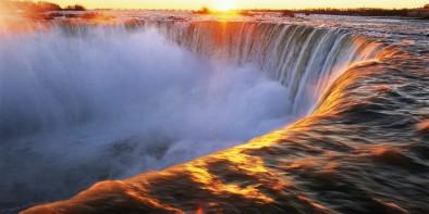 Canada, Ontario, Niagara Falls, Horseshoe Falls at sunrise