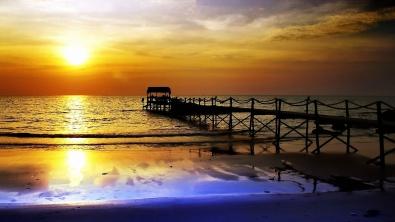 pier_decline_evening_sea_reflection_calm_orange_protection_48341_1920x1080