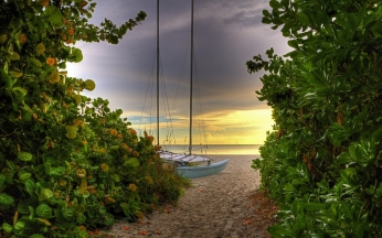 road_sea_yacht_greens_sand_beach_mast_45879_1680x1050