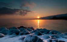 salt_stones_sea_coast_evening_decline_45762_1680x1050