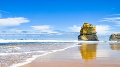 sea_beach_rock_sand_90805_1366x768