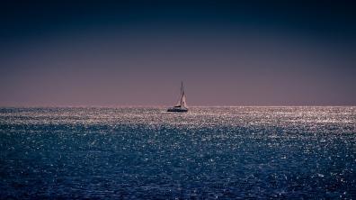 sea_horizon_sail_boat_103287_1366x768