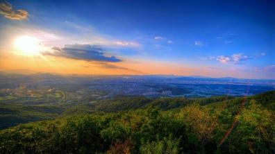 sunset_nature_sky_light_summer_84531_1366x768