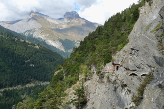switzerland_mountains_wood_platform_look_60888_1920x1280