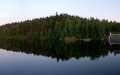 wood_coast_lake_reflection_triangle_lodge_51960_2560x1600