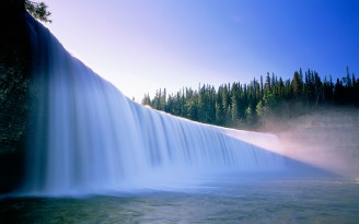 Lady Evelyn Falls/Chutes Lady Evelyn, Northwest Territories/Territoires du Nord-Ouest