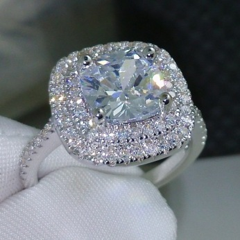 2016-fashion-ring-new-style-Cushion-cut-4ct-5A-Zircon-stone-925-sterling-silver-Engagement-Wedding.jpg_640x640 (2)