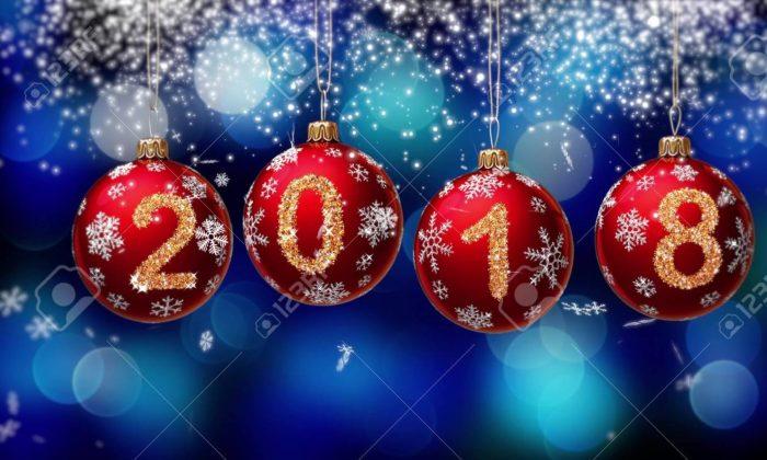 cropped-89076-full_hanging-2018-number-glitter-christmas-balls-on-blue-bokeh-background.jpg